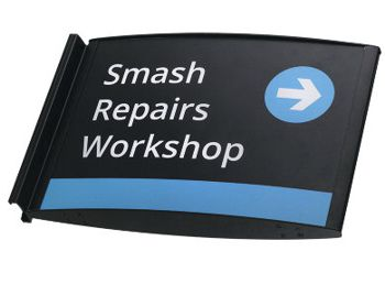 sign with words: smash repairs workshop