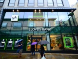 The front of Lloyds bank premises