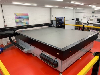 The JETRIX LXi7 LED UV flatbed printer