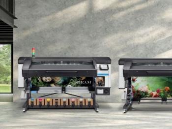 HP Latex printers in a showroom